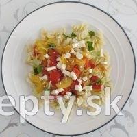 Talianske cestoviny s paradajkami a cuketou