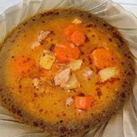 Guľášová polievka z bravčového mäsa