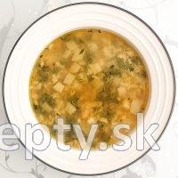 Hrášková polievka s kalerábom
