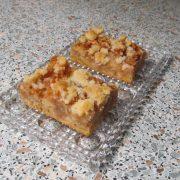Jablkový koláč s posýpkou