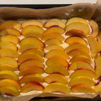 Ovocie na koláči