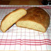 Rozkrojený chlieb