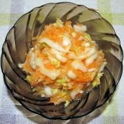 Šalát z čínskej kapusty a mrkvy