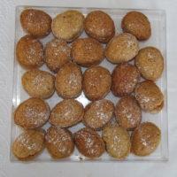 vianočné orechy na tácke