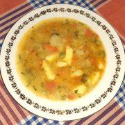 zeleninová polievka s haluškami