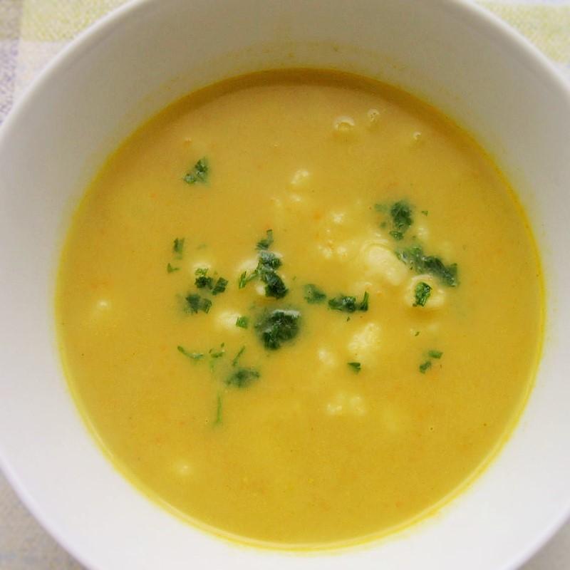 55047d6b2 Zeleninová krémová polievka s haluškami - Fajn Recepty